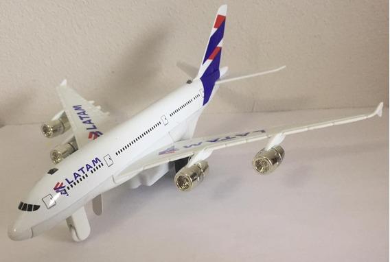 Miniatura Avião C/ Som E Luzes 1:300