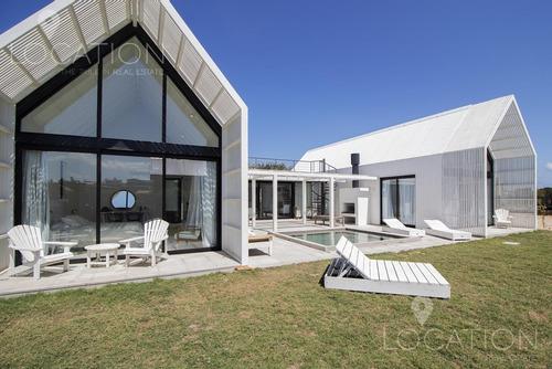 Casa En Venta Y Alquiler Temporal En Club De Mar - Lho2305750