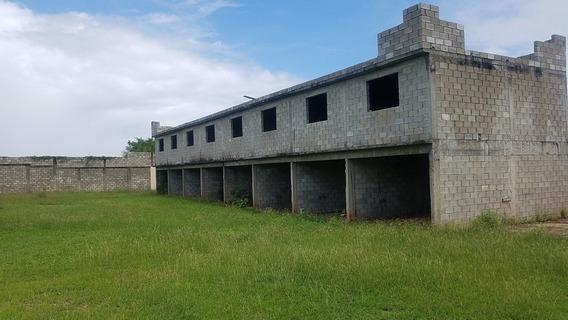 En Venta Negoc De Cabañas En Construcción Najayo S Cristóbal