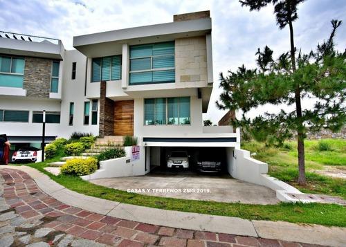 Casa En Puerta Las Lomas De Lujo, Excelente Ubicacion En Guadalajara