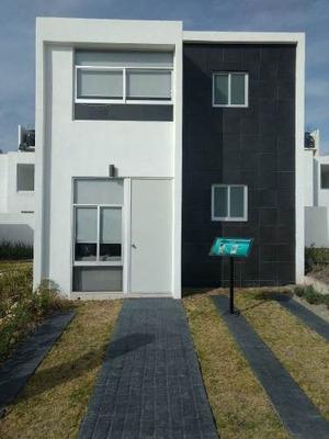 Venta Casa En Cluster Con Alberca En Queretaro $875,000