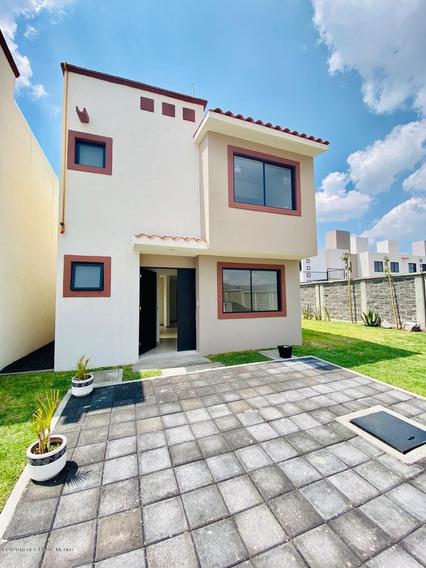 Casa En Venta En Fracc Parque Esmeralda Pachuca Ff 20-2434