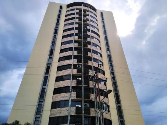 Apartamento En Venta Urb San Jacinto, Maracay 19-16925 Hcc