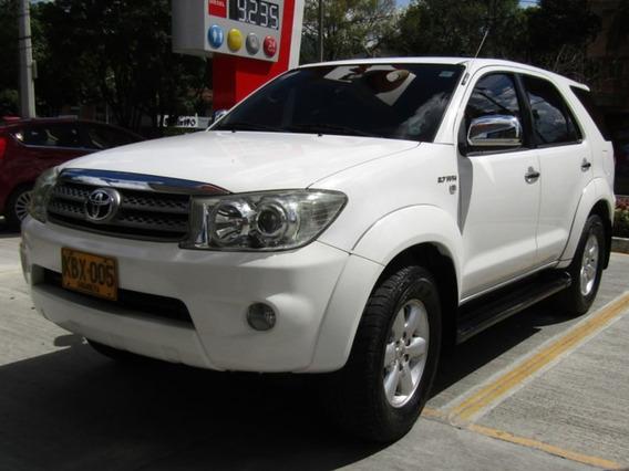 Toyota Fortuner 2.7 4*4