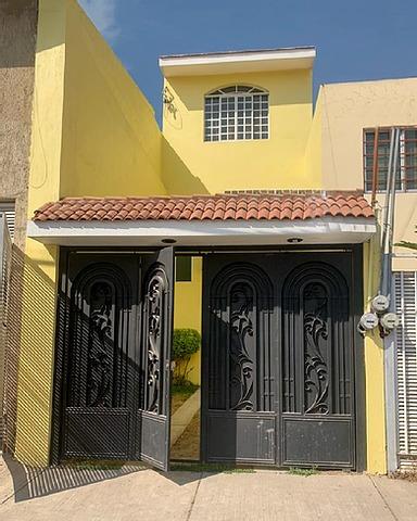 Imagen 1 de 9 de Casa En Venta Cerca De Lopez Mateo Y Periferico