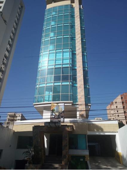 Oficina En Venta / Jessika Cedeño 04121368338