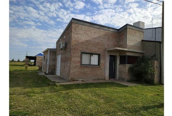 Casa En Venta 2 Dormitorios - Pujato Norte.-