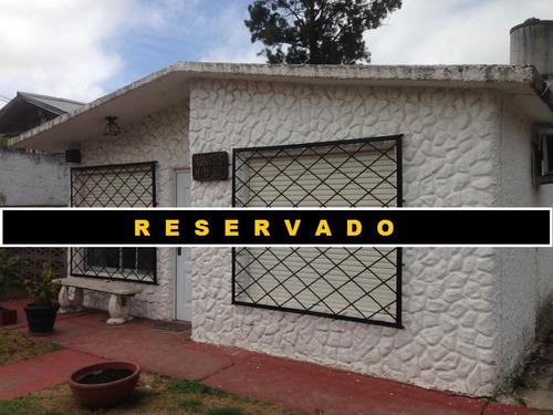 Reservada - Sitio Vende - Casa De Tres Dormitorios