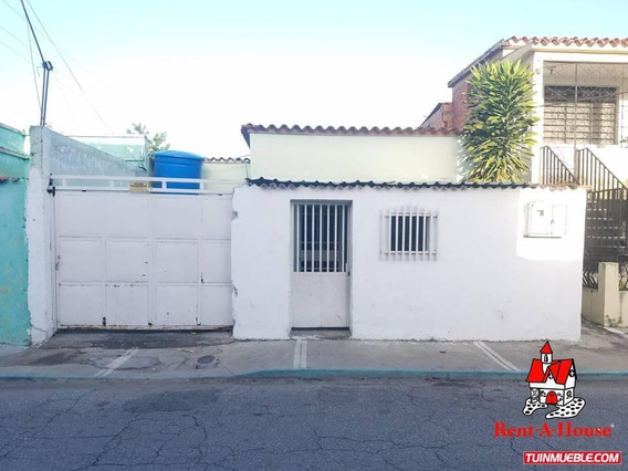 Casas En Venta Maracay El Piñonal 19-13538 Ejc