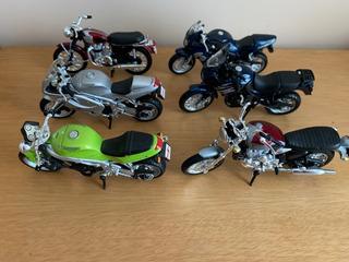 Kit Conjunto De Miniatura Motos Triumph 1/18