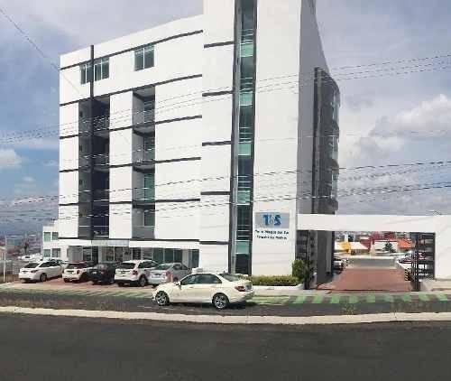Consultorio En Renta En Torre Médica En Colinas Del Cimatario Con Vista Panorámica Y Terraza