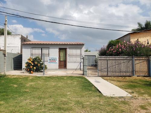 Dos Casas En Un Padrón
