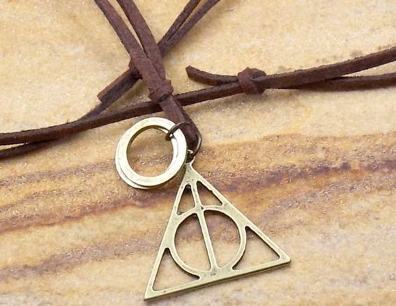 Colar De Couro Harry Potter Reliquias Da Morte Bijuterias