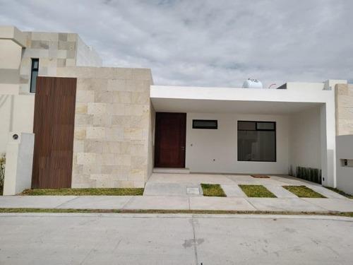 Casa Sola En Venta Tahona Residencial