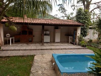 Casa Linear 3 Quartos Com Excelente Quintal