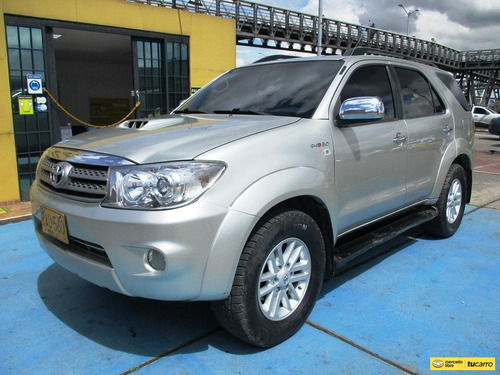 Toyota Fortuner Srv 4x4 3000cc At Aa