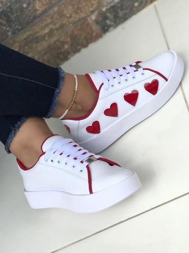 Calzado Deportivo Tenis Blanco Corazones Rojos Moda De Mujer