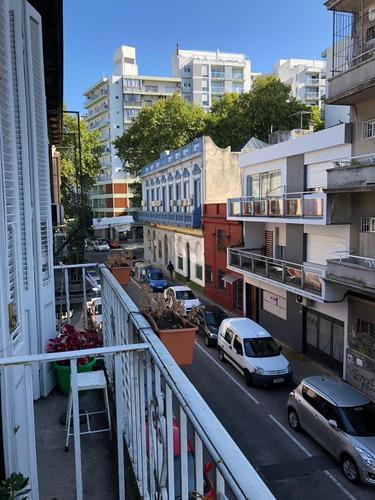 Amplio Apartamento En Pleno Cordon Sur A Metros De Todo.