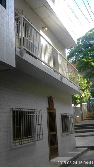 Casa En Venta En Maiquetía La Guaira Cv-mqt001