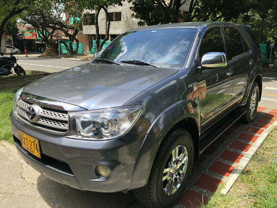 Toyota Fortuner Urbana 2700 At 4x2 Gasolina 2011