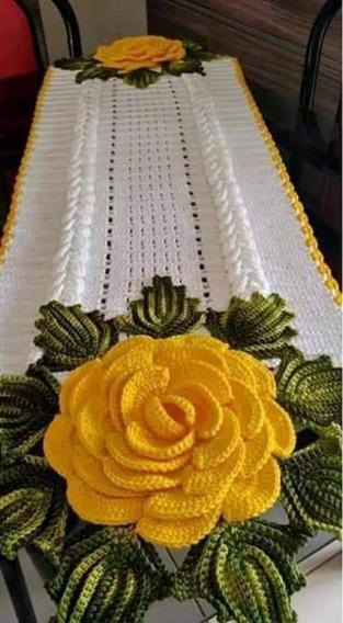 Caminho De Mesa Crochê Com Flor Amarela