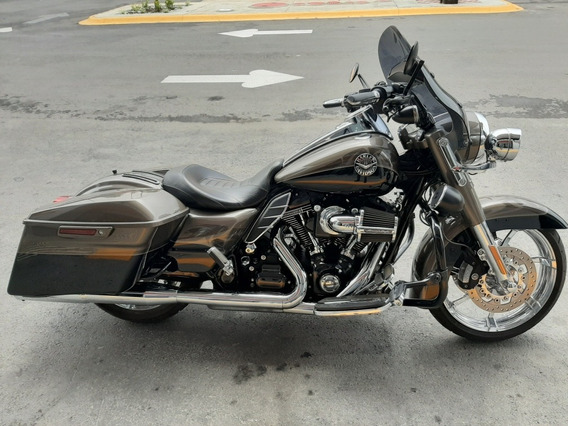 Harley Davidson Road King Cvo