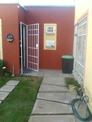 Casa Sola De Una Recamaras Y Una Alcoba Em Paseos De San Jua