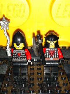 Lego Original Knights Castle Lote De 2 Caballeros Rojos