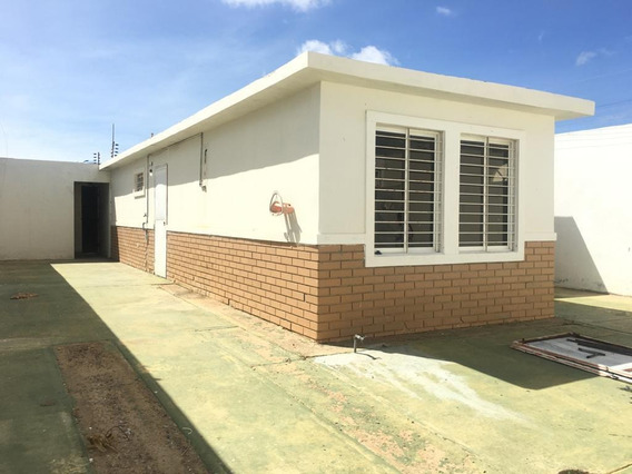 Disponible Casa En Venta Puerta Maraven 20-1207