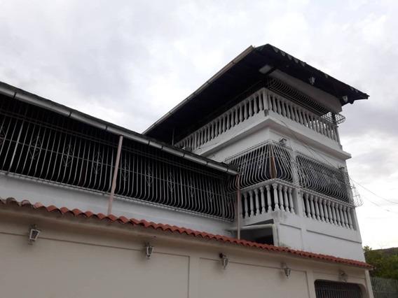 Maison Vende Casa En Valle Fresco Tlf. 04243766339.