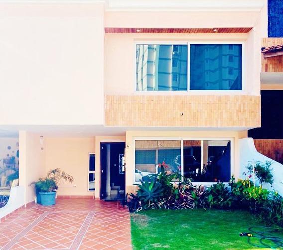 Hermosa Y Moderna Casa En Venta. Avenida Ferrero Tamayo
