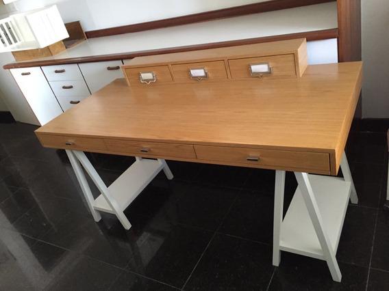 Escrivaninha De Madeira ( Quartos Etc )