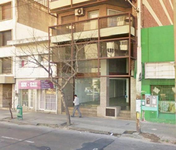 Local Comercial Desarrollado En Planta Baja Y Primer Piso.