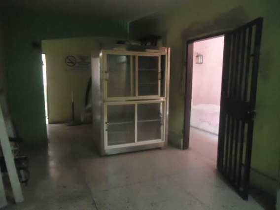 Local En Alquiler Zona Centro De Barquisimeto 20-23795 Rr