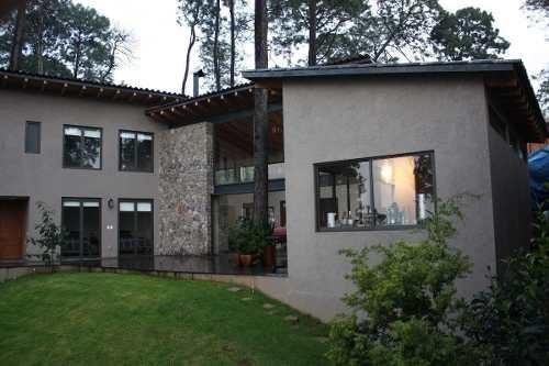 En Avándaro Valle De Bravo, Espectacular Casa En Renta Con Vista Al Lago