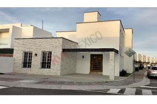 Casa En Venta, Recamara En Planta Baja, La Condesa Juriquilla, Querétaro