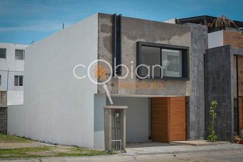 Casa En Renta En Fraccionamiento En Momoxpan, Cholula