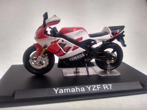 Moto Yamaha Yzf R7 1:24 No Acrílico Miniatura