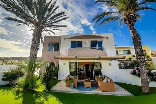 Casa De Dos Pisos, 3 Habitaciones Y Cocina Totalmente Equipada, Seguridad 24/7 Y Hermosas Amenidades