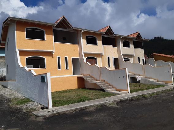 Conjunto Residencial De 3 Town House.