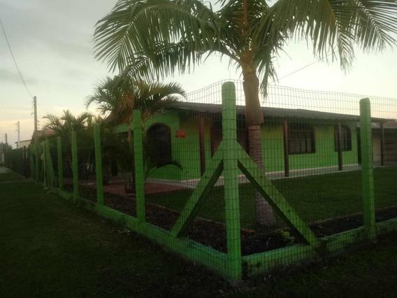 Casa Temporada Praia Centro Cidreira, 4 Quartos, 15 Pessoas