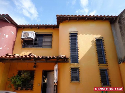 Town House Venta Paraparal Pt 19-4998 Tlf 0412-043.04.39