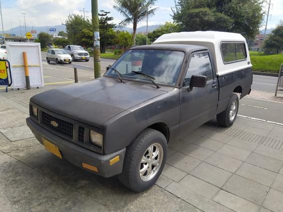 Chevrolet Luv Luv Pickup Con Capacete 1996