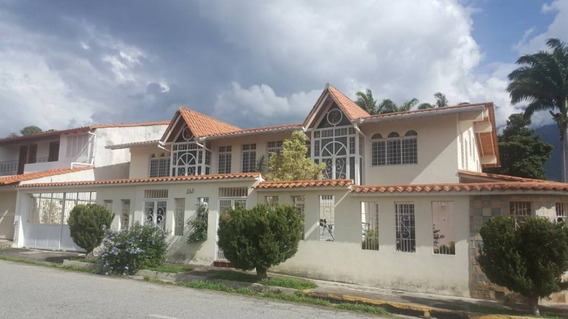 En Venta, 2 Hermosas Casas Concentradas