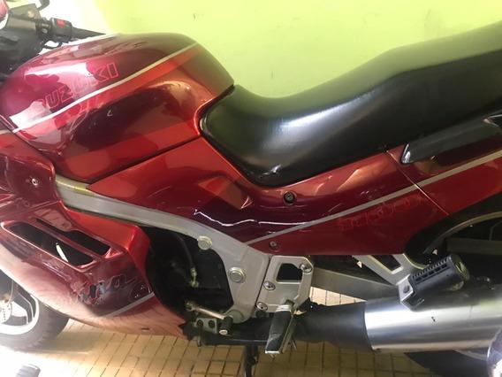 Motocicleta Suzuki, Katana 1100, Modelo 1992. 31,000 Millas.