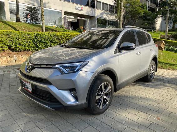 Toyota Rav4 Street