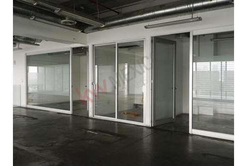 Oficina En Renta Con Espacio Para 12 Ejecutivos En Torre Quadrata . Piso 5