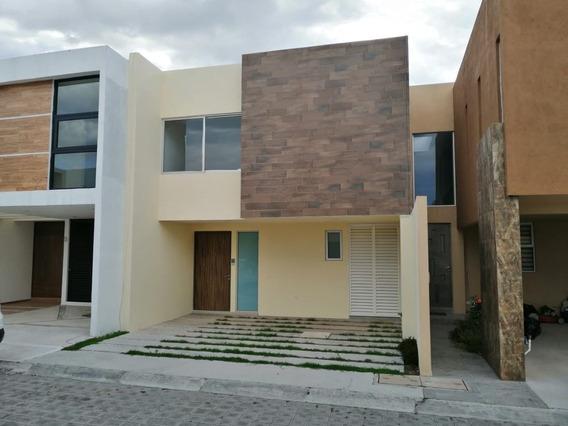 Casa En Fraccionamiento En San Francisco Acatepec / San Andrés Cholula - Crb-897-fr
