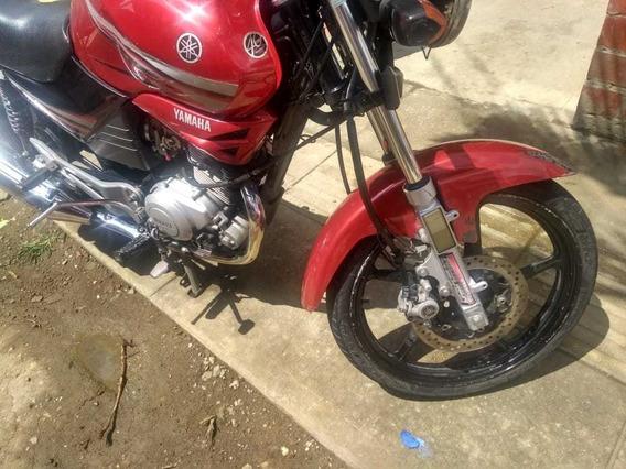 Moto Yamaha Libero Roja 2013