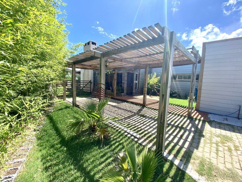 Excepcional Casa De 4 Dormitorios En La Residence!- Ref: 2504